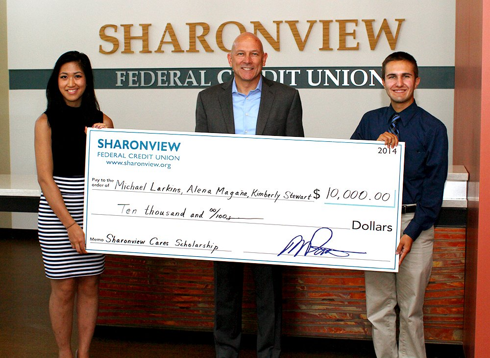 Sharonview Credit Union >> Sharonview Awards Sharonview Cares Scholarship Funds Totaling