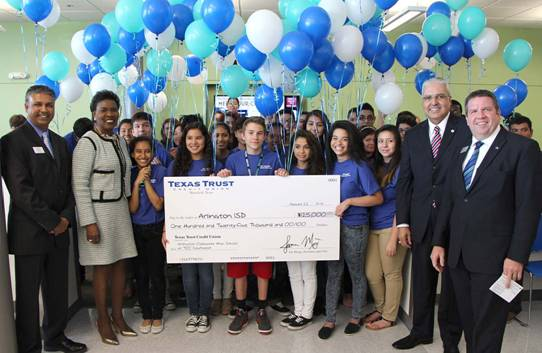 Arlington Credit Union >> Arlington Collegiate High School Receives 125 000 In