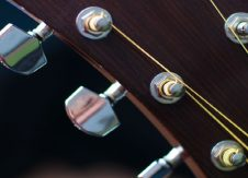 Avoid tuning the wrong string