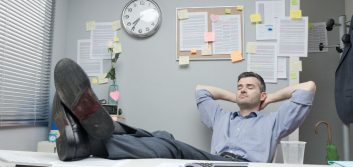 4 signs you're a bad employee