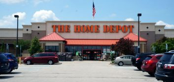 Home Depot's sales miss suggests cooling U.S. housing market