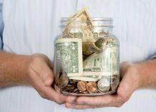 Americans' immediate money concerns impede retirement savings