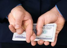 4 ways to minimize employee fraud and theft