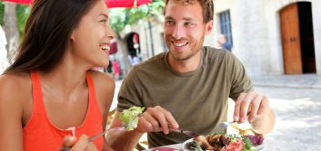 Tips for saving money while dining out