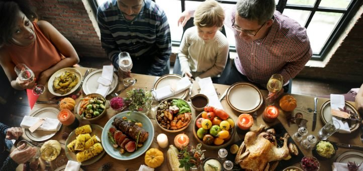 3 tips for a fun, affordable Friendsgiving