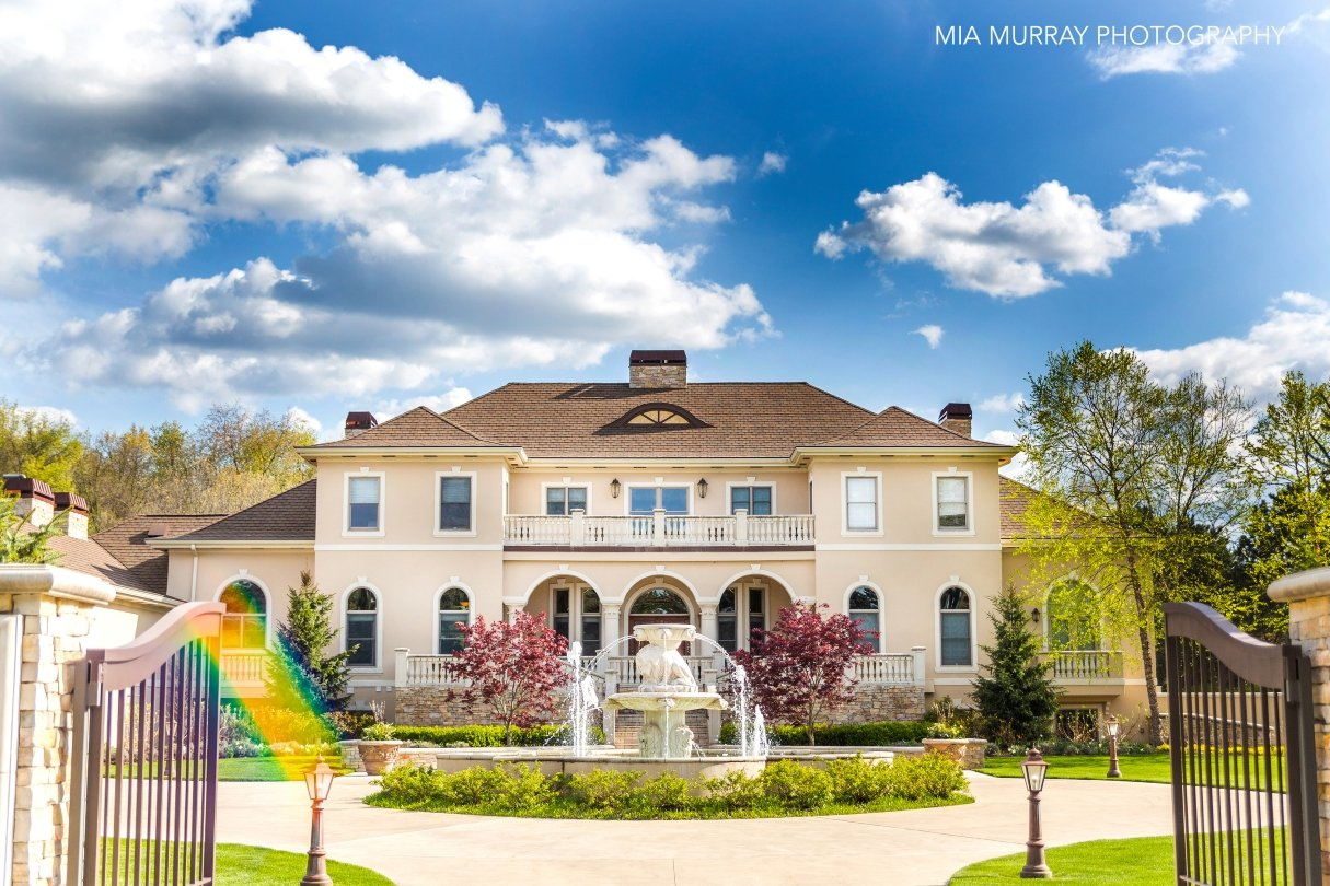 Lake michigan credit union announces spring luxury home for Home video tours