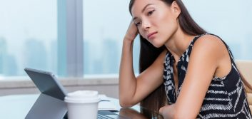 "3 signs you're the office ""Debbie Downer"""