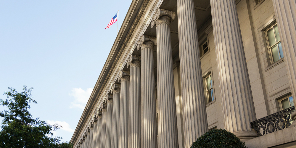 Treasury Disputes Arbitration Rule's Costs, Benefits