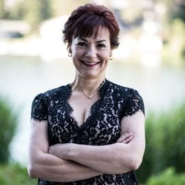 Monica Tarr