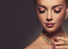 Valentine's Day 2018: Don't overspend on gold jewelry