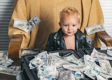 3 easy ways to teach your kids about money