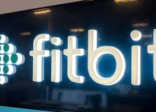 Americans need a 'Fitbit' of banking