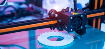 Technologist uses 3-D printer to aid health-care workers