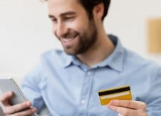 Paying the balance vs. paying the minimum on a credit card